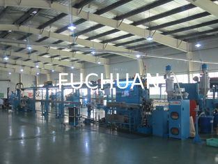China Power Wire Plastic Extrusion Line , 1000mm Pay Off Bobbin With Horizontal Accumulator supplier