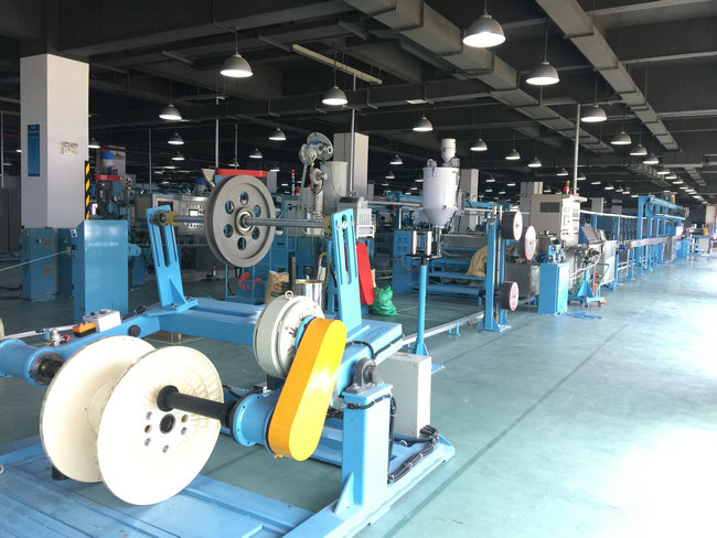 PU Plastic Extrusion Line / electric wire making machine With Tension Pay Off