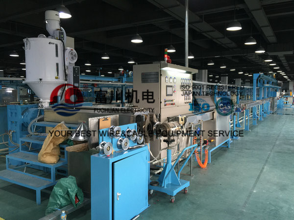 Plastic Wire Extrusion Machine , Power Wire Insulated Sheathing For Wire Dia 5.0-20mm